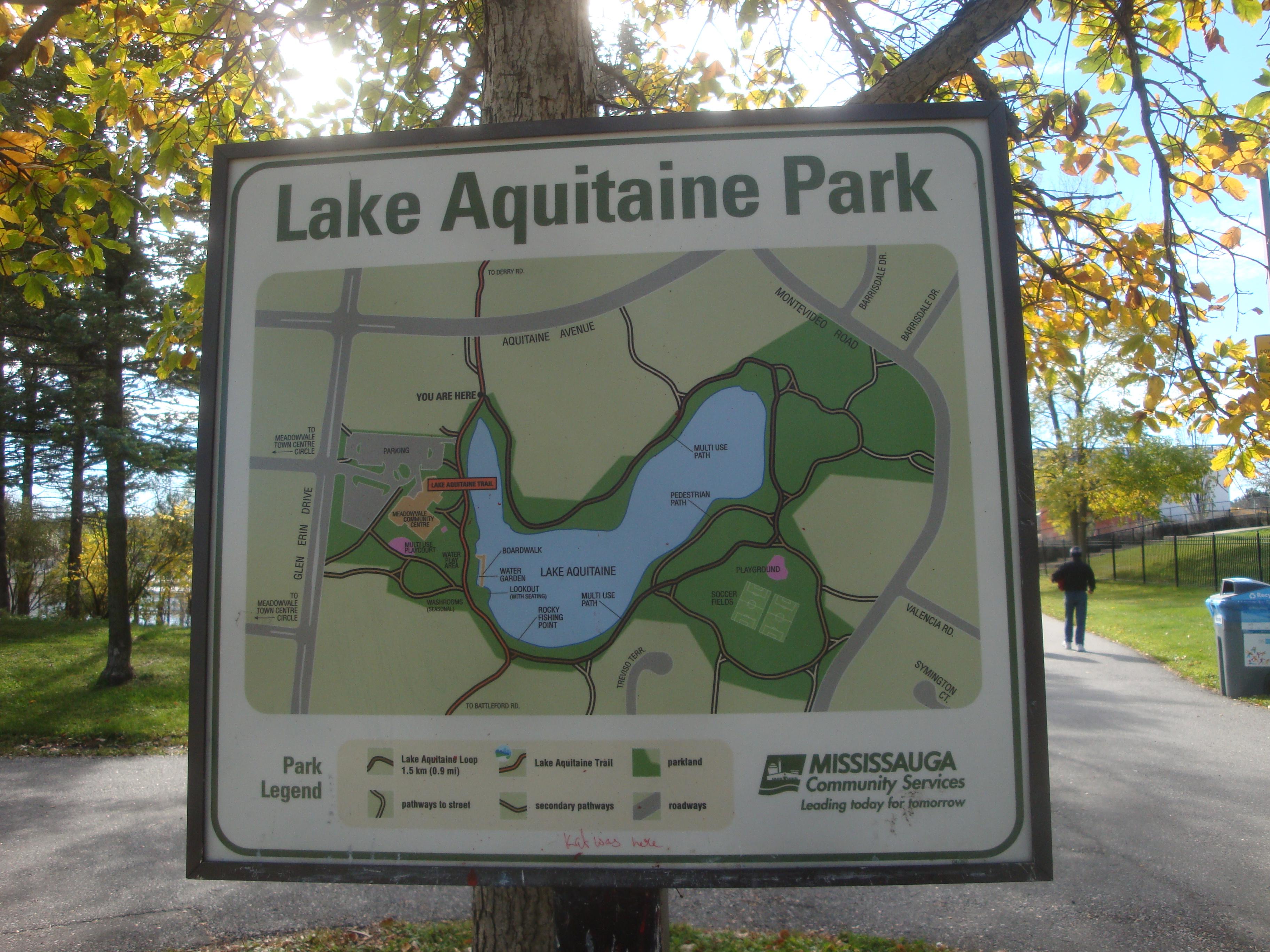lake aquitaine park